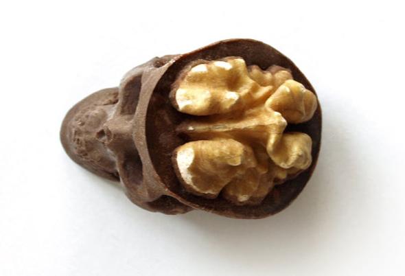 chocolate-skull-nuts2.jpg