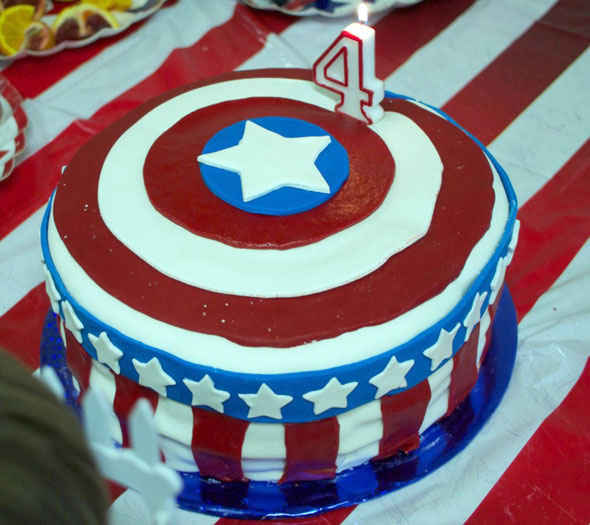 This Captain America Cake Is Very American Foodiggity