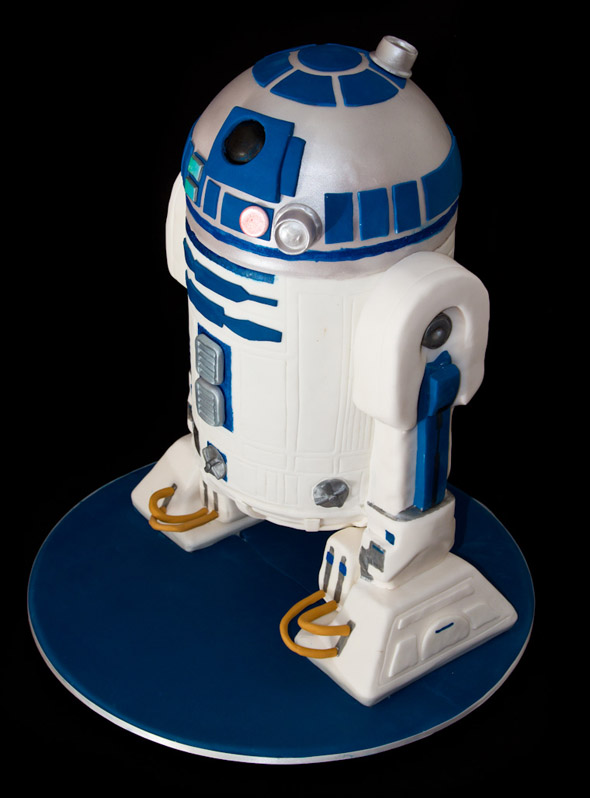 Awesome R2 D2 Cake Foodiggity
