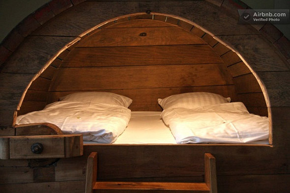 beer-barrel-bedroom-3