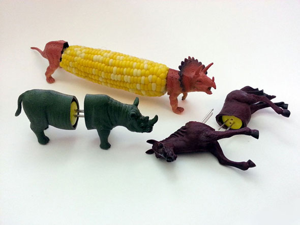 dinosaur-corn-cob-holder