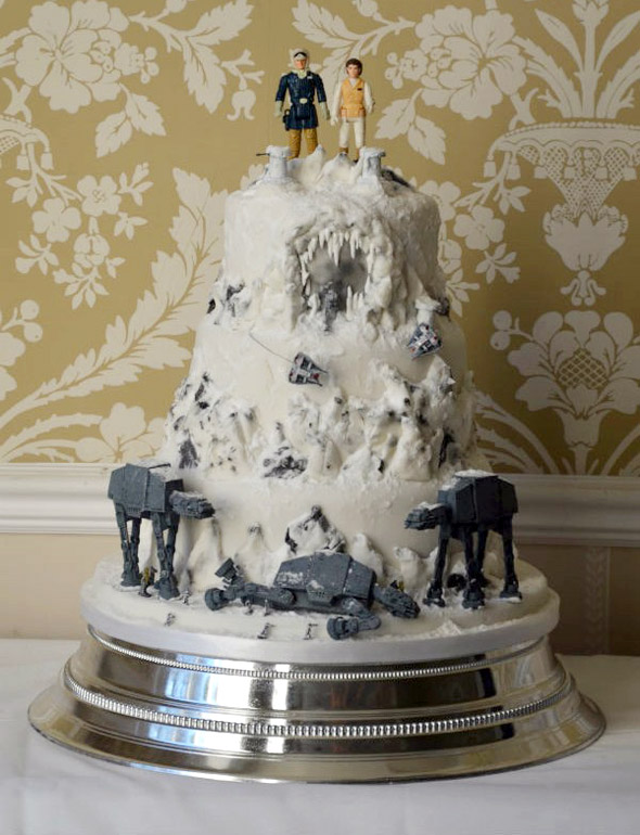 hoth-wedding-cake