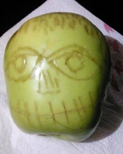 Apple-Shrunken-Head