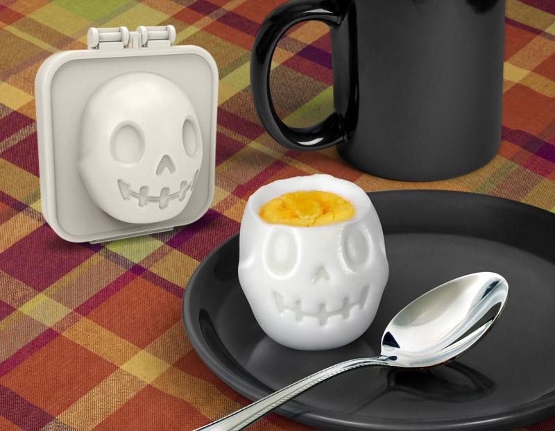 Egg-A-Matic Skull Egg Mold by foddiggity