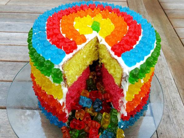 gummy-bear-cake