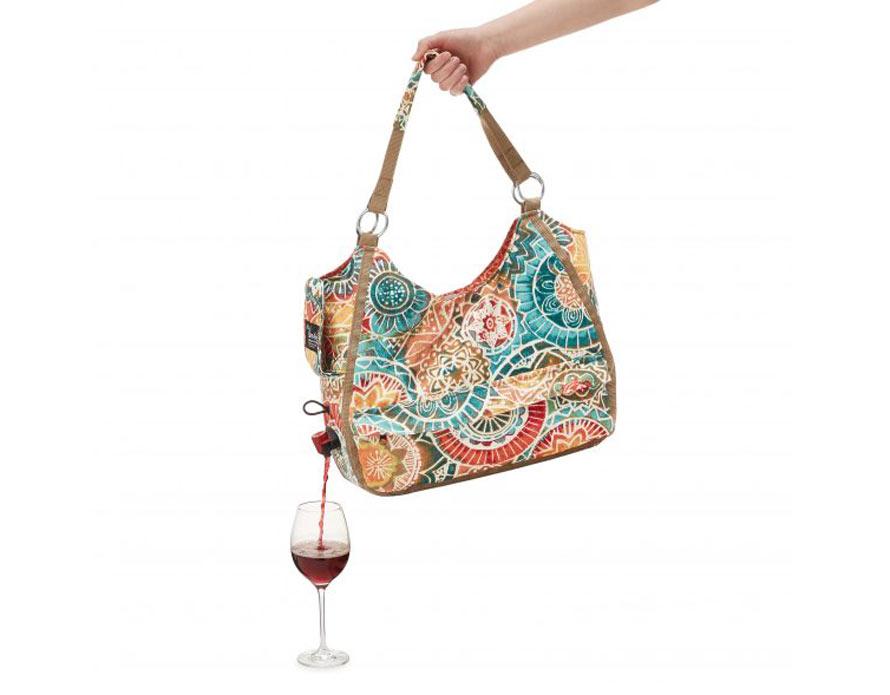 wine-dispensing-hand-bag