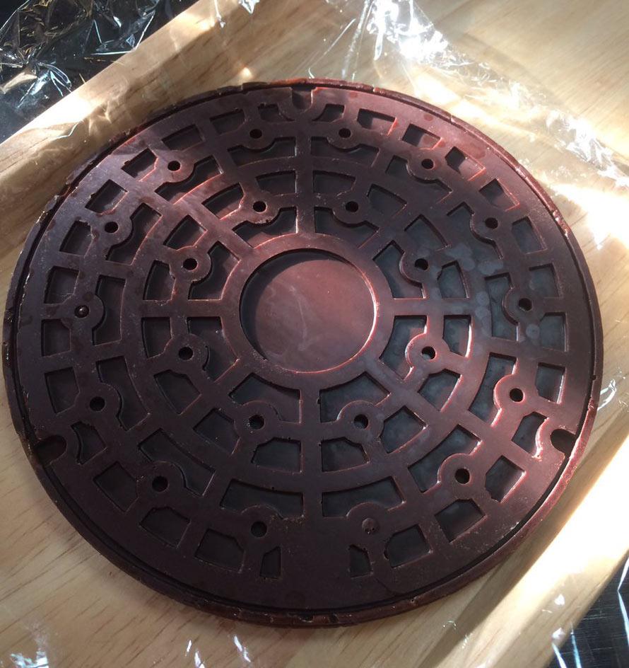 chocolate-manhole-cover-4